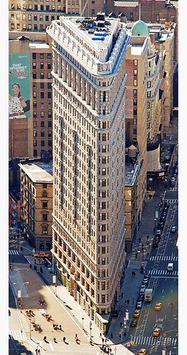 265px-Edificio_Fuller_(Flatiron)_en_2010_desde_el_Empire_State_crop_boxin